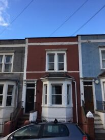 1 bed top floor flat to rent, Totterdown, part furnished with white goods, £650pcm