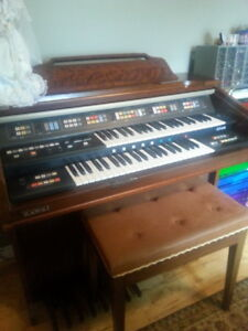 Kawai Electronic Organ -  Works GREAT!
