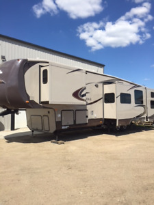 Beautiful 41 ft Blue Ridge 3710BH Cabin Edition Trailer