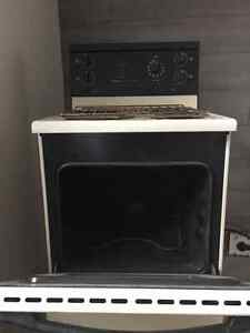 """24"""" -3.0 cu. ft. Electric Free-Standing Range in almond colour Prince George British Columbia image 2"""