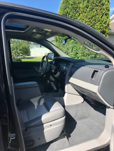 2009 Fully Loaded Dodge Durango Seats 8, excellent  condition