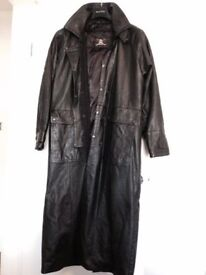 Men's full lengh leather coat - Excellent cindition/hardly worn