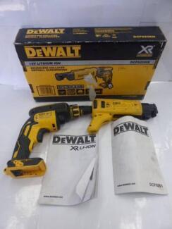 DeWALT CORDLESS COLLATED SCREW GUN - DCF6201 - IN BOX - CHEAP!