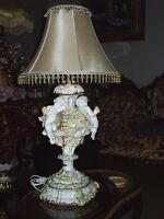 lampe ant rococo anges sur podium de fleurs FAITE UNE OFFRE