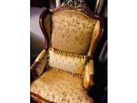 EXCELLENT CONDITION VINTAGE GOTHIC VICTORIAN GOLD FLORAL BROCADE BAROQUE READING CHAIR