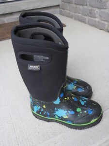 Bogs Boots for boys size 2
