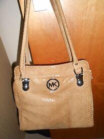 Leather handbag,excellant condition