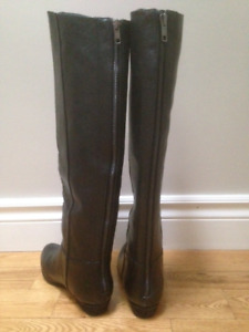 Women's Steve Madden Leather Boots - Size 6 - New, never worn