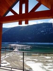 #315 5570 BROADWATER Road Castlegar, British Columbia