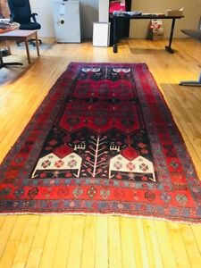 Wool Persian Area Rug - Mint Condition