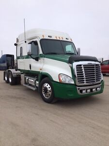 2010 Freightliner Cascadia, Used Sleeper Tractor