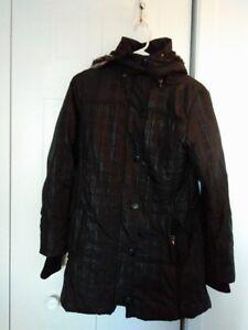 Manteau long à vendre 20 $