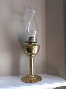 ANTIQUE VINTAGE KEROSENE BRASS LANTERN OIL LAMPS