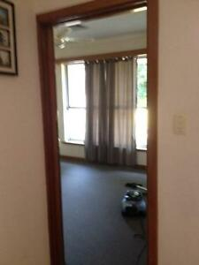 Large Room in Spearwood for rent Spearwood Cockburn Area Preview