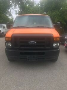 2009 Ford Cargo, Extended,8 cyl ,clean history,financing availbl
