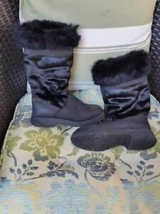 Sorel boots - like new Kitchener / Waterloo Kitchener Area image 1