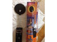 Radio Shack Micronta 3001 metal detector. no instructions