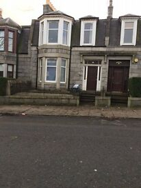 4 BEDROOM HOUSE TO LET NEAR UNIVERSITY