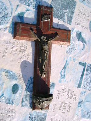 ANCIEN CRUCIFIX CROIX AVEC BÉNITIER INRI CHRIST RELIGION BOIS COLLECTION