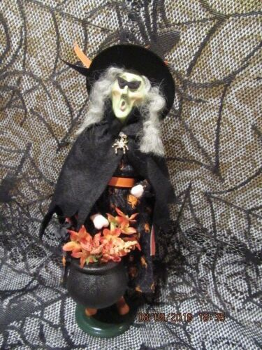 "BYERS CHOICE 2018 🎃🎃HALLOWEEN WITCH ""LUCRETIA"" WOODENDUCK EXCLUSIVE MINT"