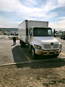 Camion Cube déménagement à vendre Hino 268 2005