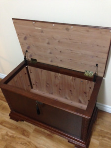New Price!!! Moving New Cond Hope Chest made by Bombay