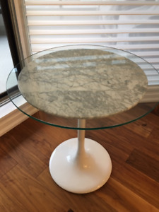 "Pedestal Marble Top  24"" round  table"