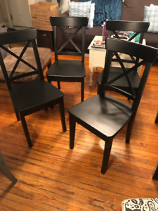 Beautiful Dining room set with 6 chairs