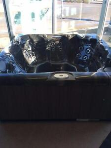 Maax 371 Hot Tub - Edmonton's Favourite Hot Tub Store! Trade In's Welcome!