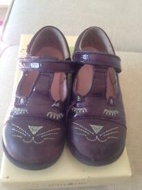 Startrite Girls T-Bar School Shoes Cat's Whiskers SIZE 8F