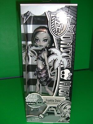 Monster High - MONSTER HIGH DOLLs 2011 SKULL SHORES BLACK & WHITE FRANKIE STEIN     NEW in BOX