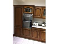 WHIRLPOOL INTERGRATED OVEN/GRILL & FOUR RING HOB/COOKER (WITH EXTRACTOR FAN)
