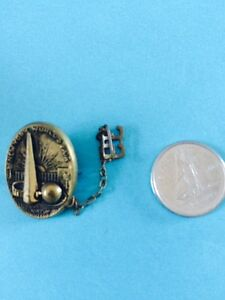 Vintage New Yorks World Fair 1939 lapel pin