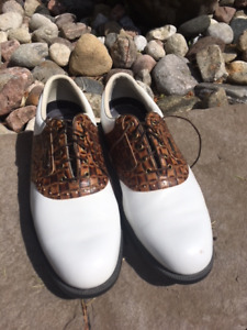 2 PAIRS OF TOP QUALITY GOLF SHOES SIZE 11 - LIKE NEW CONDITION!