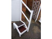 Caravan steps with reversable hand rail. Good condition.