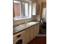 4 bedroom house in Exning Road, London , E16 (4 bed) (#1047374)