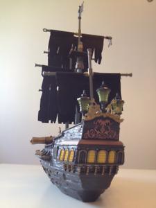MEGA BLOCKS - Pirates des Caraïbes (Bateau La Perle Noire)