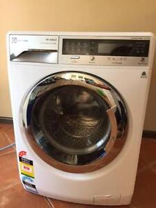 Electrolux EWF14912 9kg 1400RPM sensor washing machine. Arcadia Hornsby Area Preview