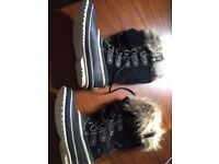 Women's Sorel Snow Boots, size 5, worn once in Iceland, £40
