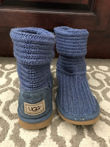 UGG Knit boots - size 6