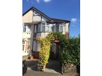 SPACIOUS FAMILY HOUSE IN BARKINGSIDE WITH A BEAUTIFUL GARDEN £1775.00