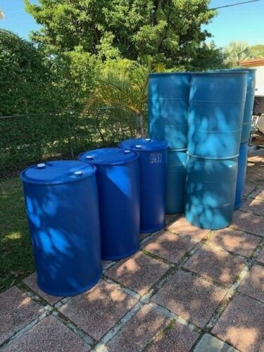 55 Gallons plastic barrels drums closed head - plastic containers