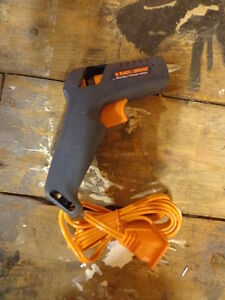 FS: Black & Decker Hot Glue Gun