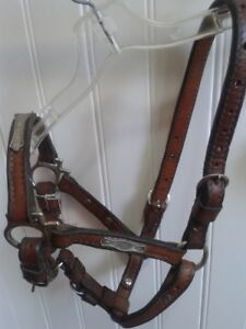 Yearling- Quality Leather Halters with Silver Detail -WOW