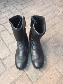 Leather Motorcycle boots size 10 as new