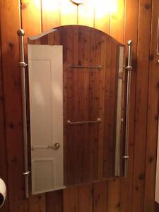 Miroir articles salle de bain dans laval rive nord for Miroir kijiji