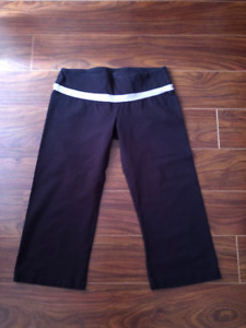 Good quality sweatpants , all size Small, all to go for $30 only