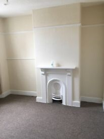 Newly Decorated Studio /Bedsit in the Centre of Newton Abbot