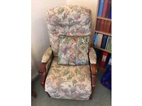 Winchester reclining electric chair, great condition, not been used heavily, with cushion