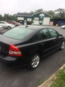2005 Volvo s40 , like new !!